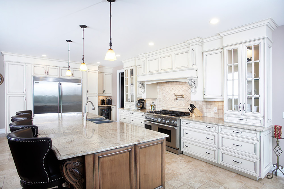 Kitchen cabinets liovas new homes construction group for Kitchen cabinet contractor